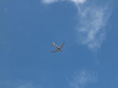 121008sky_airplane